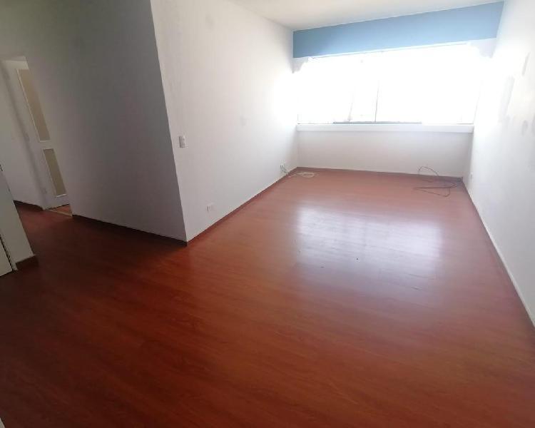 Alquiler de Departamento de 70 m², en 4to Piso, Vista
