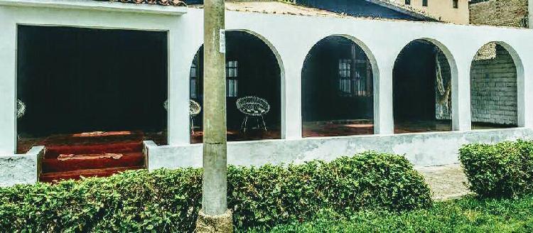 Ic - 45 / Venta de Casa de Playa en Ancón - Leo B.