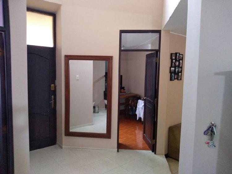 Venta de Casa en Alameda Av Los Horizontes, Los Cedros -
