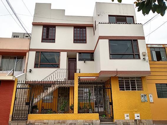 Se Vende Casa de 2do Piso y Los Aires