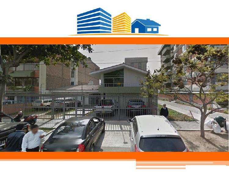 Alquiler de Casa Oficina Implementada de 460 m² en San