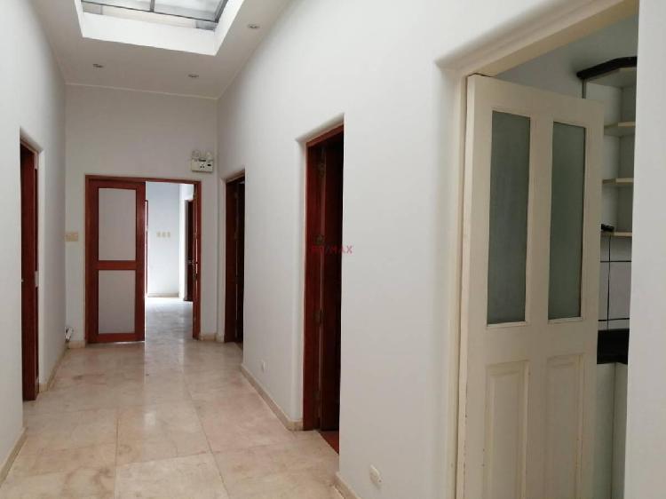 Jc) Instituciones, Casa Para Oficina en Miraflores