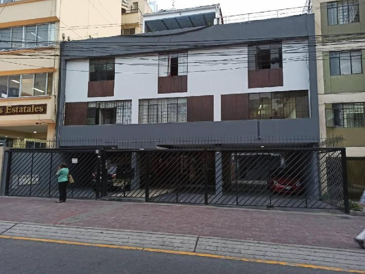 Se Alquila Oficina de 3 Pisos en San Isidro ID