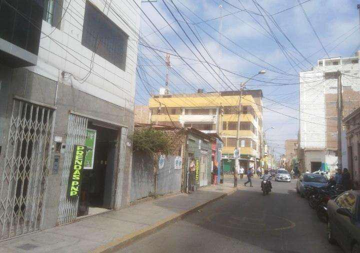 VENDO LOCAL COMERCIAL DE 180 M2 EN CHICLAYO