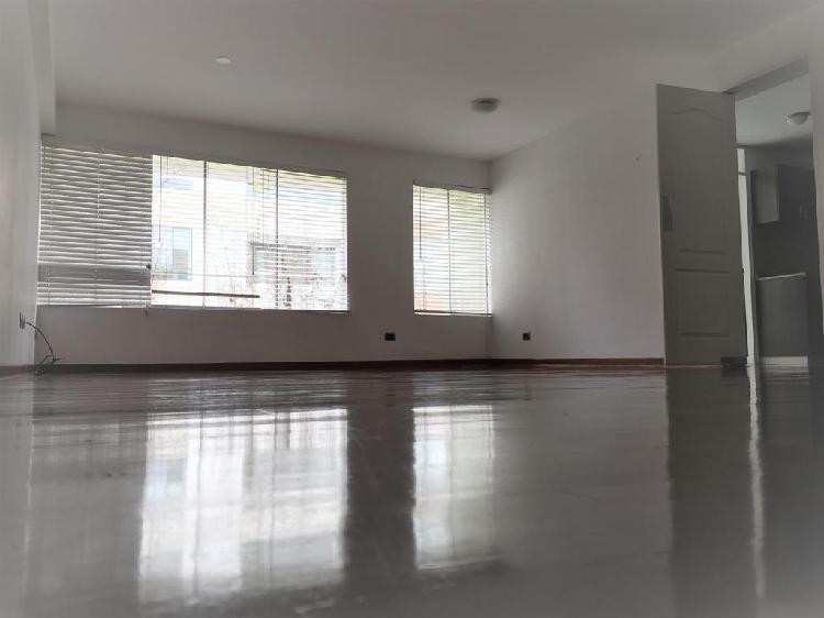 Alquilo Lindo y Exclusivo Departamento en San Isidro