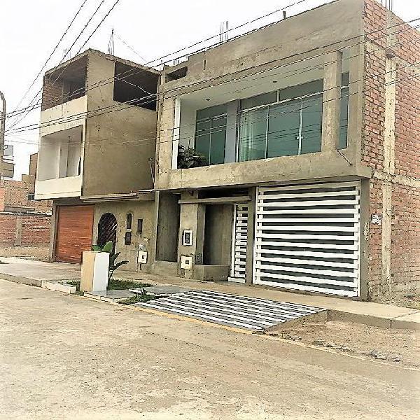 Casa de 2 Pisos Area de Terreno 120 m²