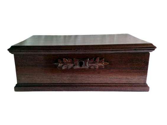 Antiguo cofre caja de madera cedro 150 años de antiguedad