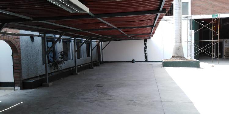 ALQUILER DE LOCAL COMERCIAL, EN ZONA INDUSTRIAL DE SANTA