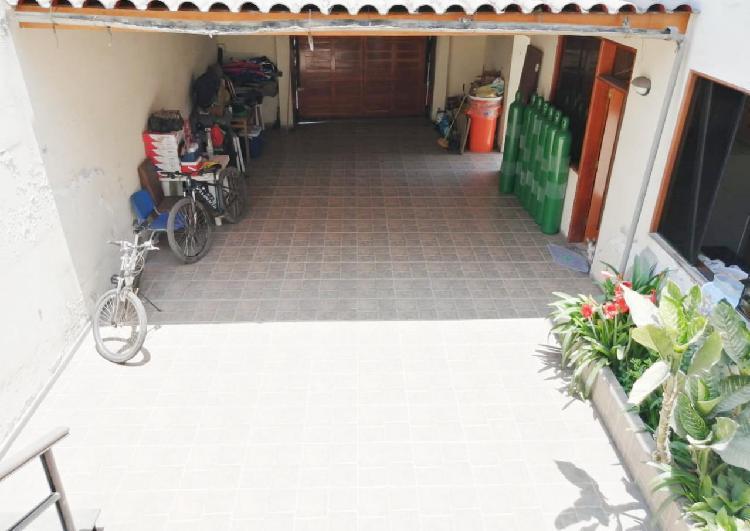 En VENTA Amplia CASA en SURCO de 4 Dormitorios AT: 277m2 AC:
